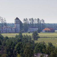 Вид с колокольни на монастырь Александра ОшевенскогоФото: Июль 2006 год.