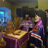 10 марта 2018 года епископ Плесецкий и Каргопольский Александр совершил Всенощное бдение в Никольском храме Александро- Ошевенского монастыря.