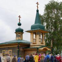 Молебен святым мученикам Флору и Лавру отслужили в часовне деревни Калитинка.