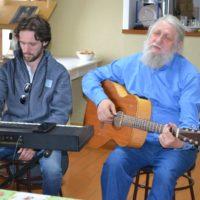 Исполнители православных песен из Санкт-Петербурга дали в обители небольшой концерт.