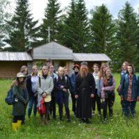 Группа студентов из Санкт-Петербурга посетила Александро-Ошевенский монастырь.