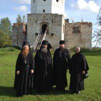 Настоятель Спасо-Преображенского Гуслицкого монастыря посетил древнейшую обитель Каргополья.
