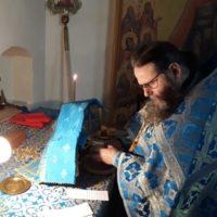 В праздник Похвалы Пресвятой Богородицы в обители была отслужена ночная Божественная литургия.