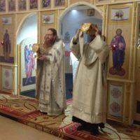 В Крещенский сочельник в Александро-Ошевенском монастыре были отслужены Божественная литургия и великое освящение воды.