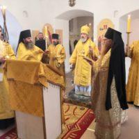 Епископ Александр в Ильин день совершил в обители всенощное бдение и Божественную литургию.
