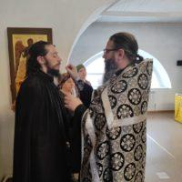 Таинство Соборования было совершено в Александро-Ошевенском монастыре.