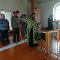 Богослужение в Георгиевском храме деревни Боросвидь.
