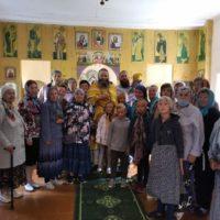 Богослужение в деревне Нокола.